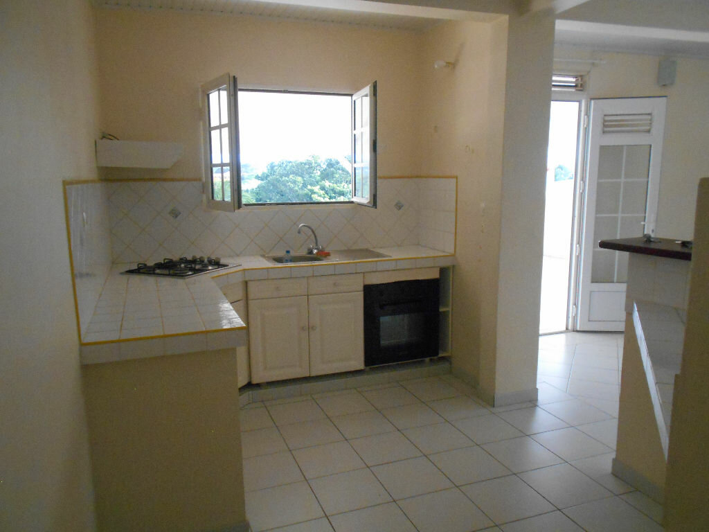 Location Appartement 3 pièces à Ducos - vignette-1