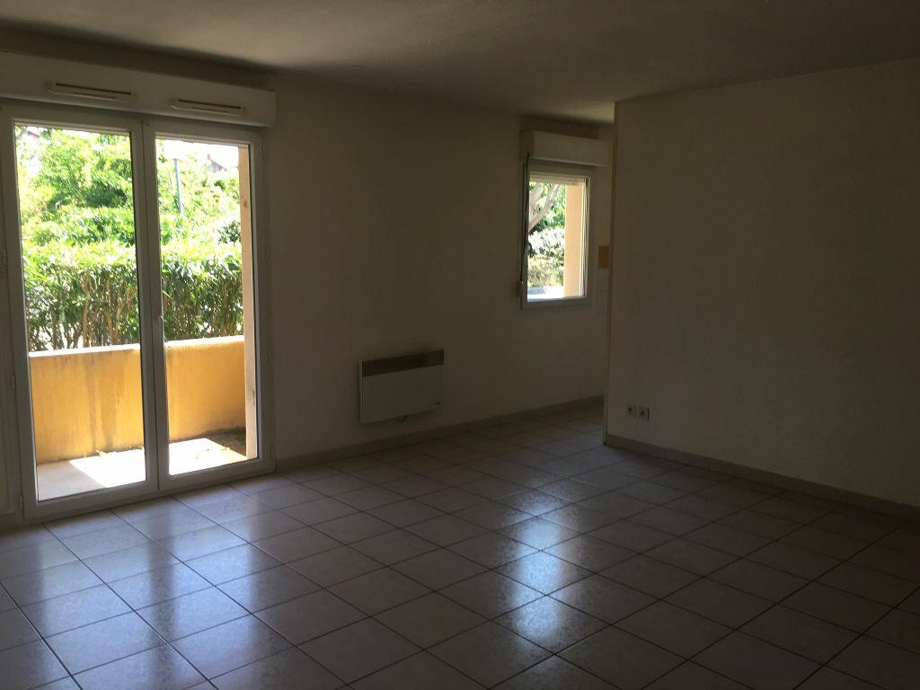 Achat Appartement 2 pièces à Sorgues - vignette-2