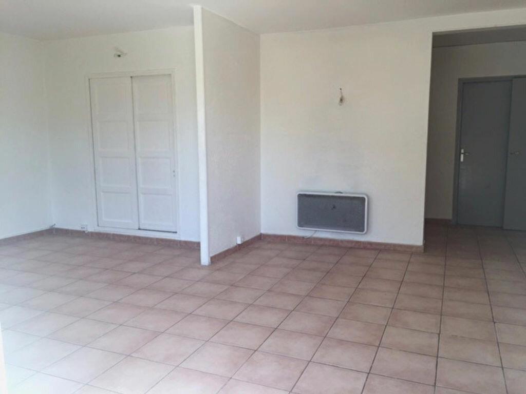 Achat Appartement 4 pièces à Le Pontet - vignette-2
