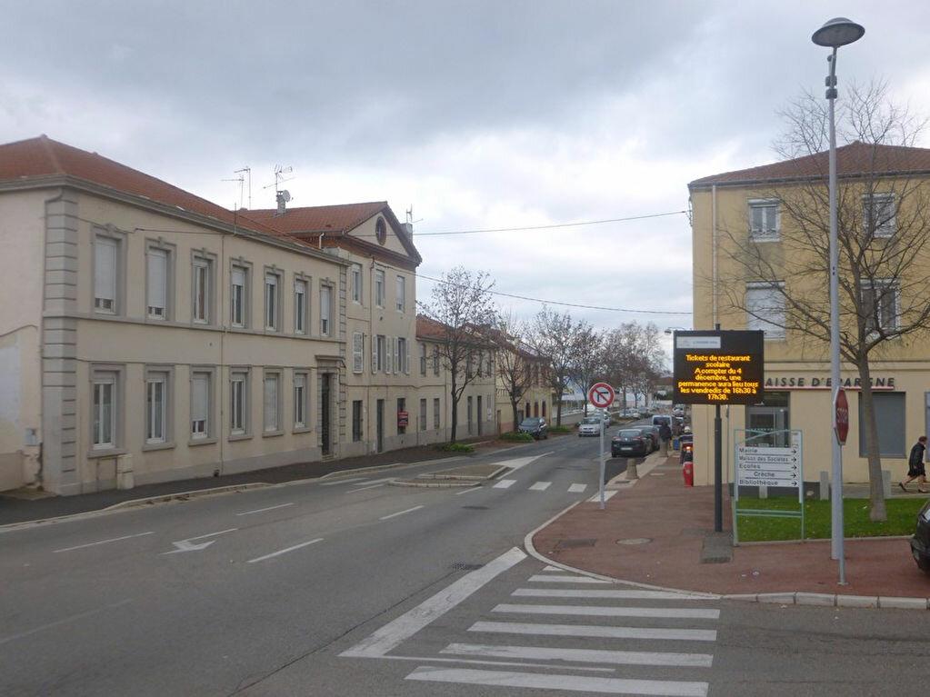 Location Appartement 3 pièces à L'Horme - vignette-1