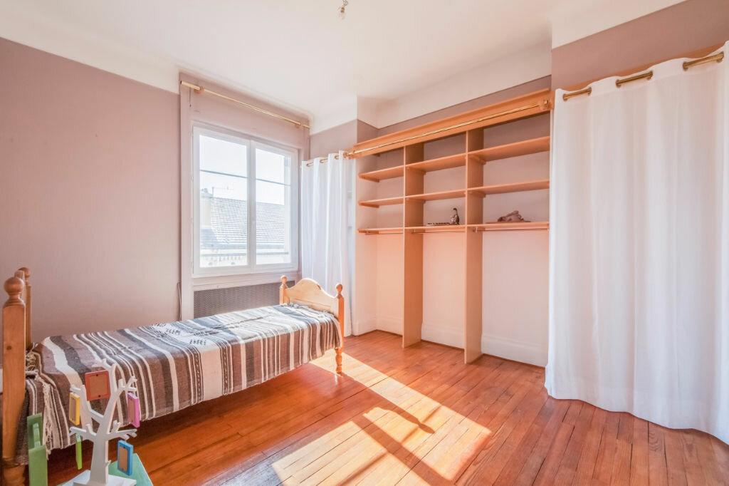 Achat Appartement 5 pièces à Saint-Étienne - vignette-12