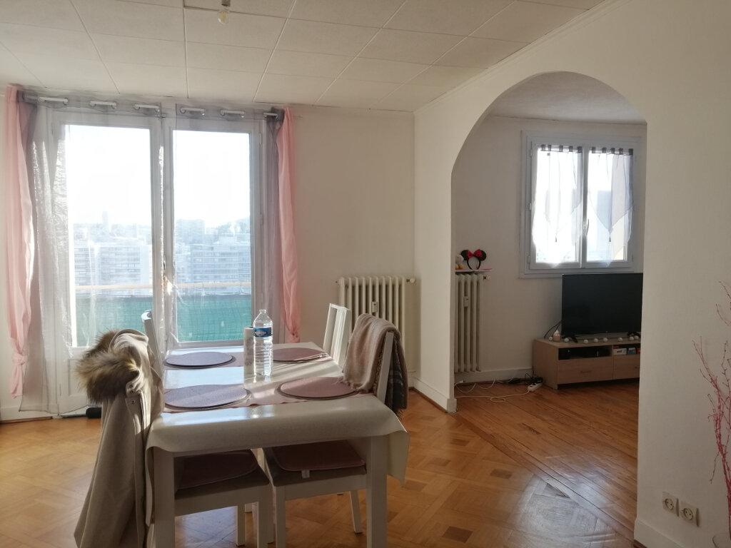 Location Appartement 3 pièces à Saint-Étienne - vignette-1