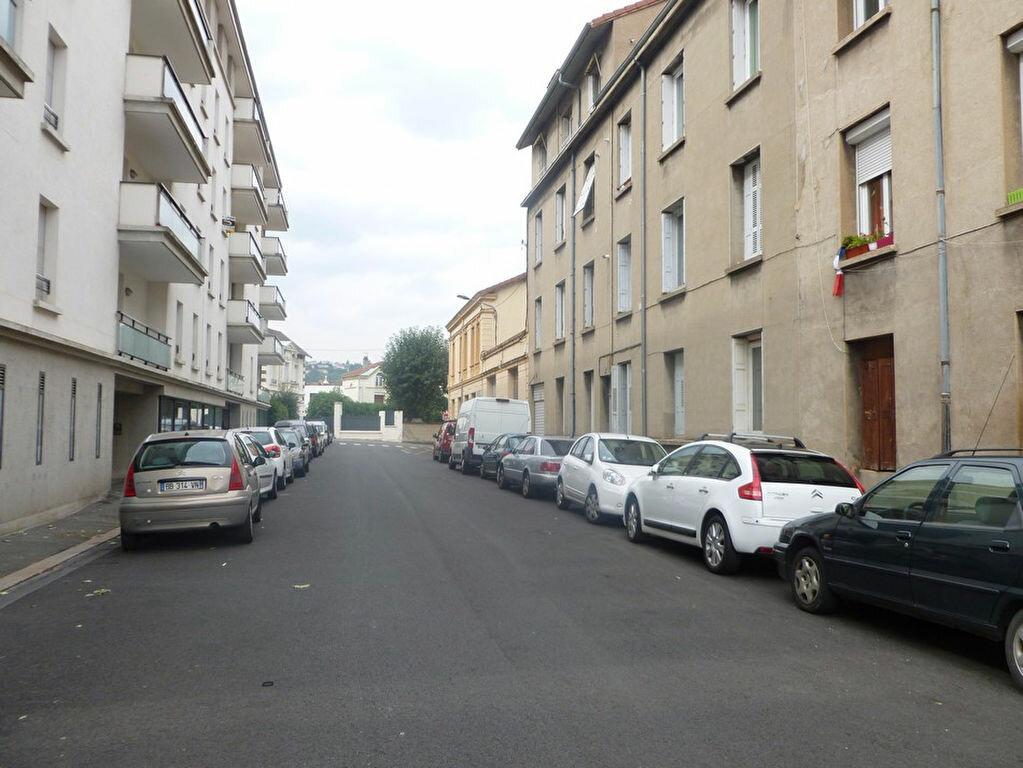 Location Appartement 4 pièces à Saint-Étienne - vignette-1