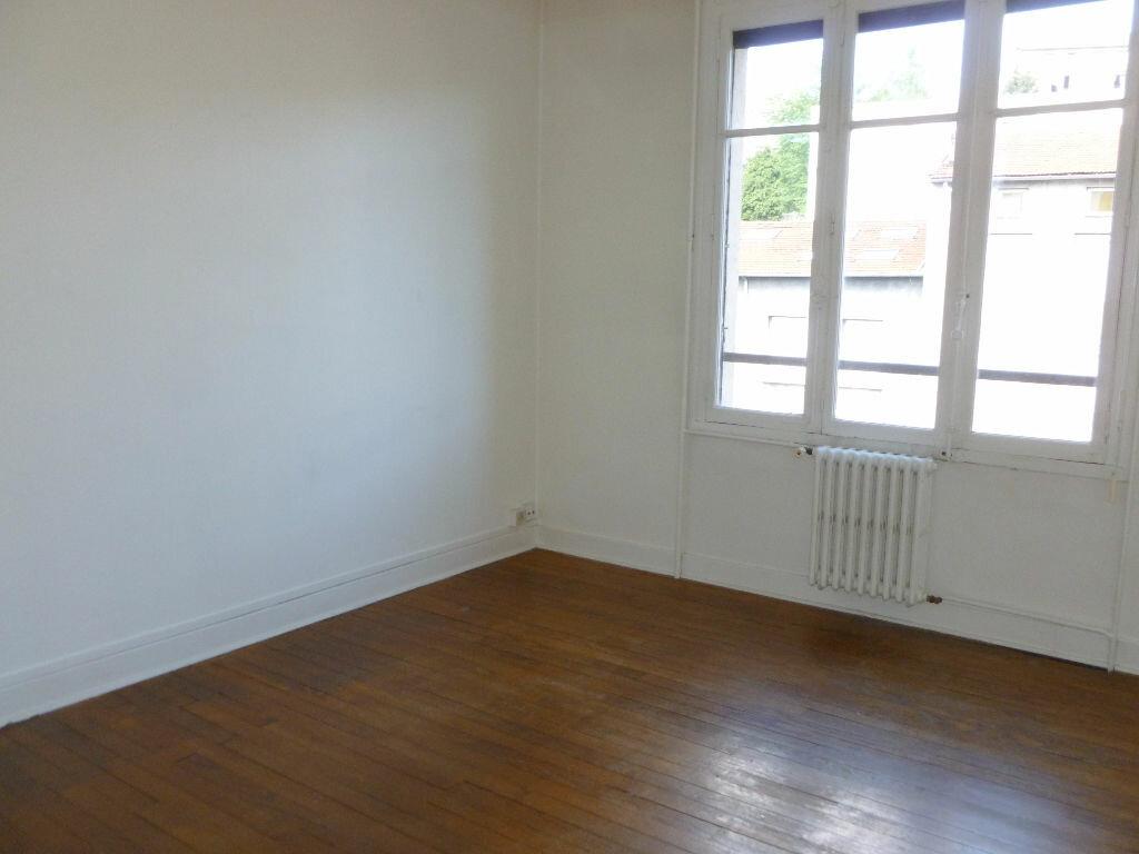 Achat Appartement 2 pièces à Saint-Étienne - vignette-2