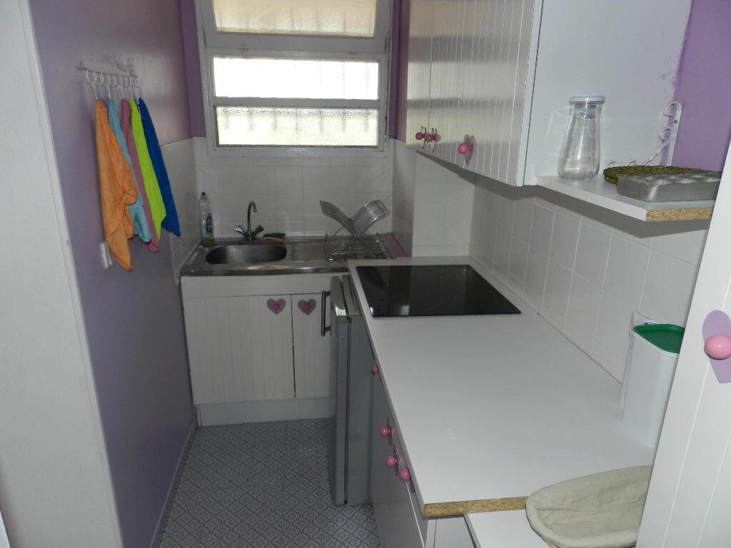 Achat Appartement 1 pièce à Saint-Laurent-du-Var - vignette-4