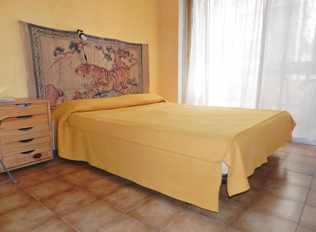 Achat Appartement 1 pièce à Saint-Laurent-du-Var - vignette-3
