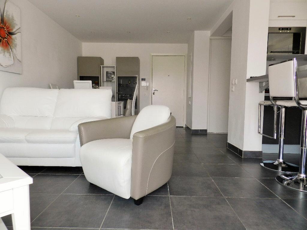 Achat Appartement 3 pièces à Cagnes-sur-Mer - vignette-4