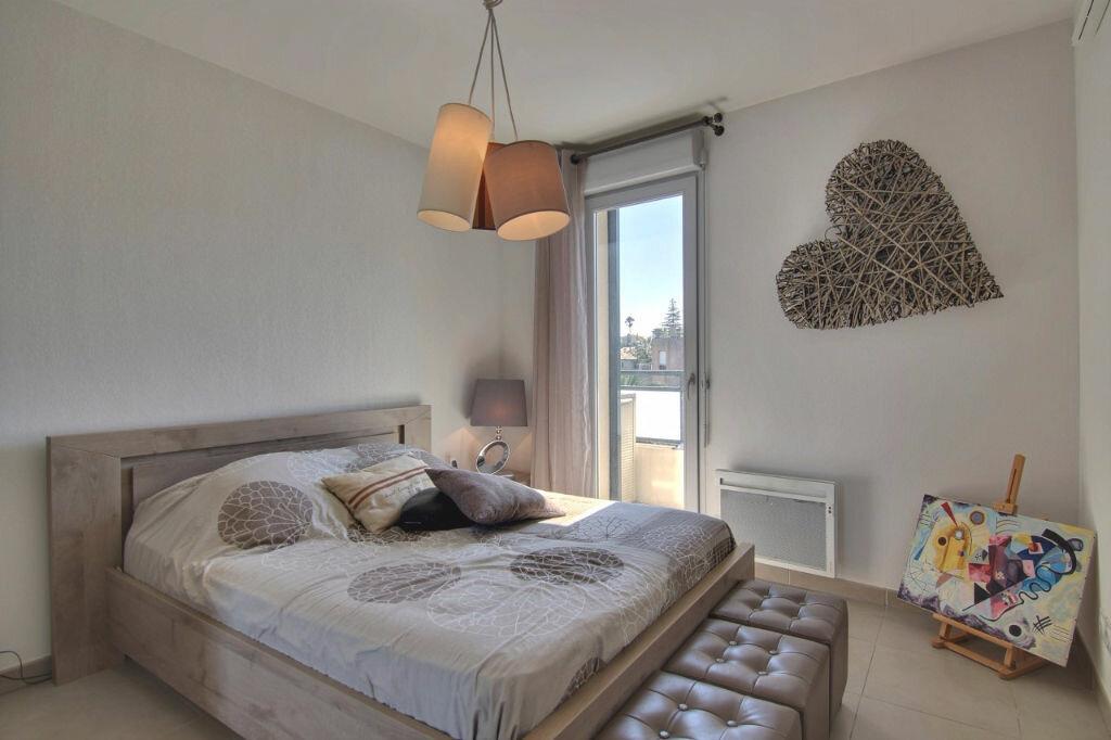 Achat Appartement 2 pièces à Saint-Laurent-du-Var - vignette-5