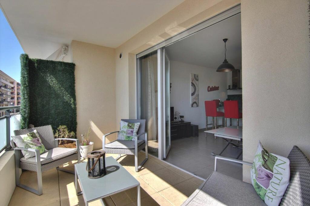 Achat Appartement 2 pièces à Saint-Laurent-du-Var - vignette-7