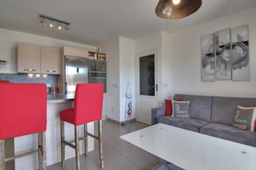Achat Appartement 2 pièces à Saint-Laurent-du-Var - vignette-10