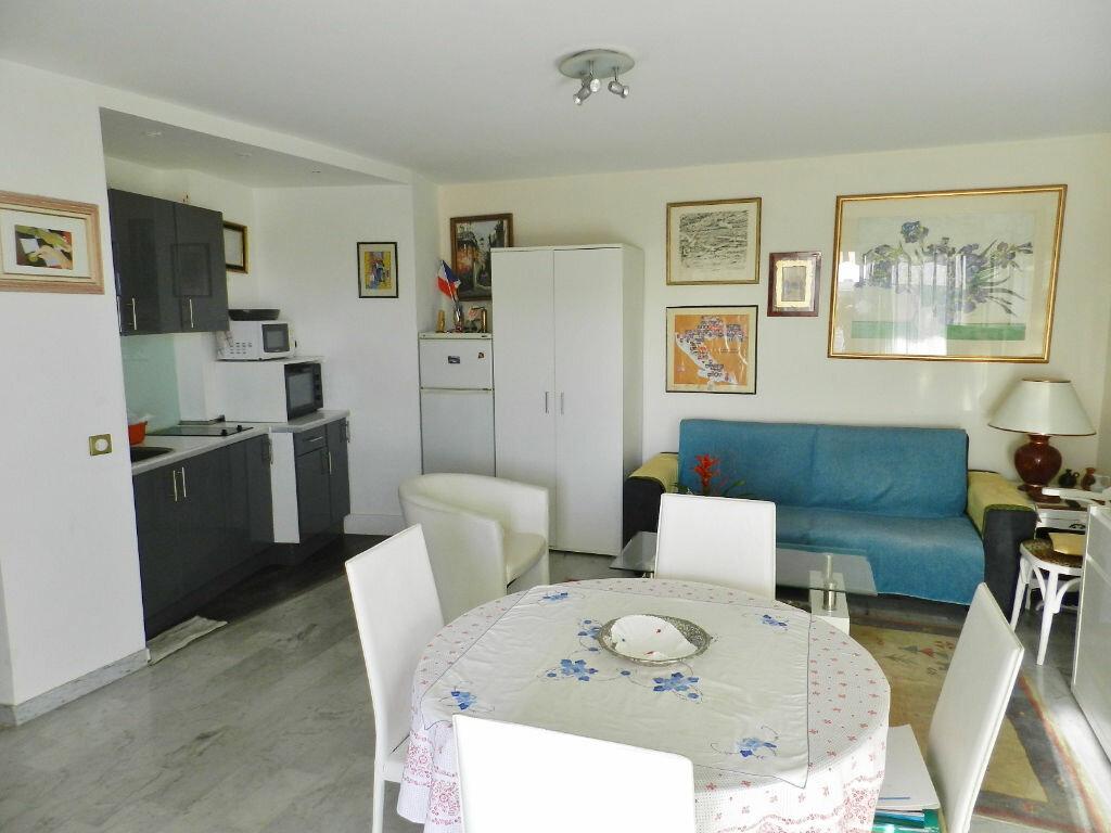 Achat Appartement 2 pièces à Saint-Laurent-du-Var - vignette-3