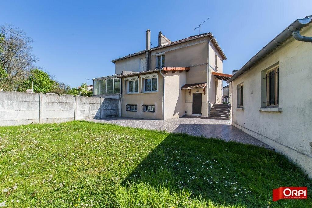 Achat Maison 5 pièces à Boissy-Saint-Léger - vignette-1