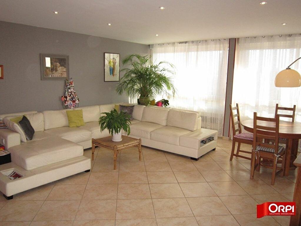 Achat Appartement 5 pièces à Sucy-en-Brie - vignette-3