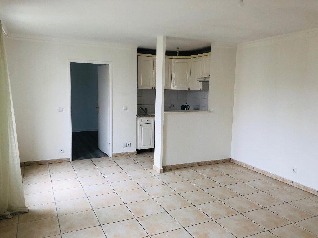 Location Appartement 2 pièces à Chessy - vignette-1