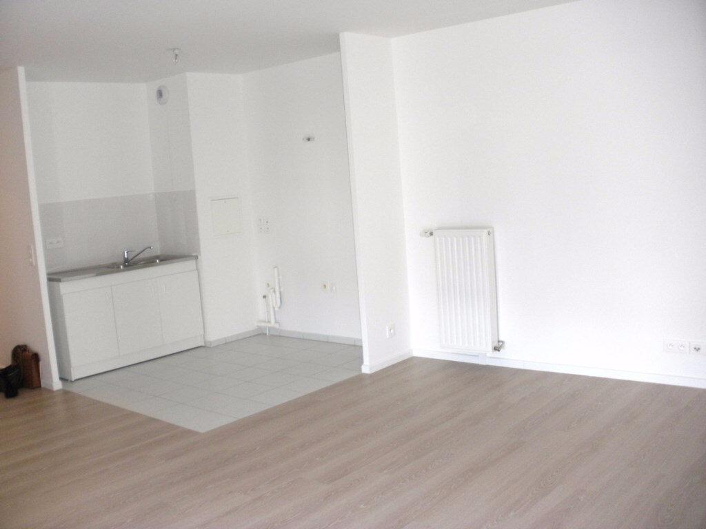 Achat Appartement 3 pièces à Chelles - vignette-2