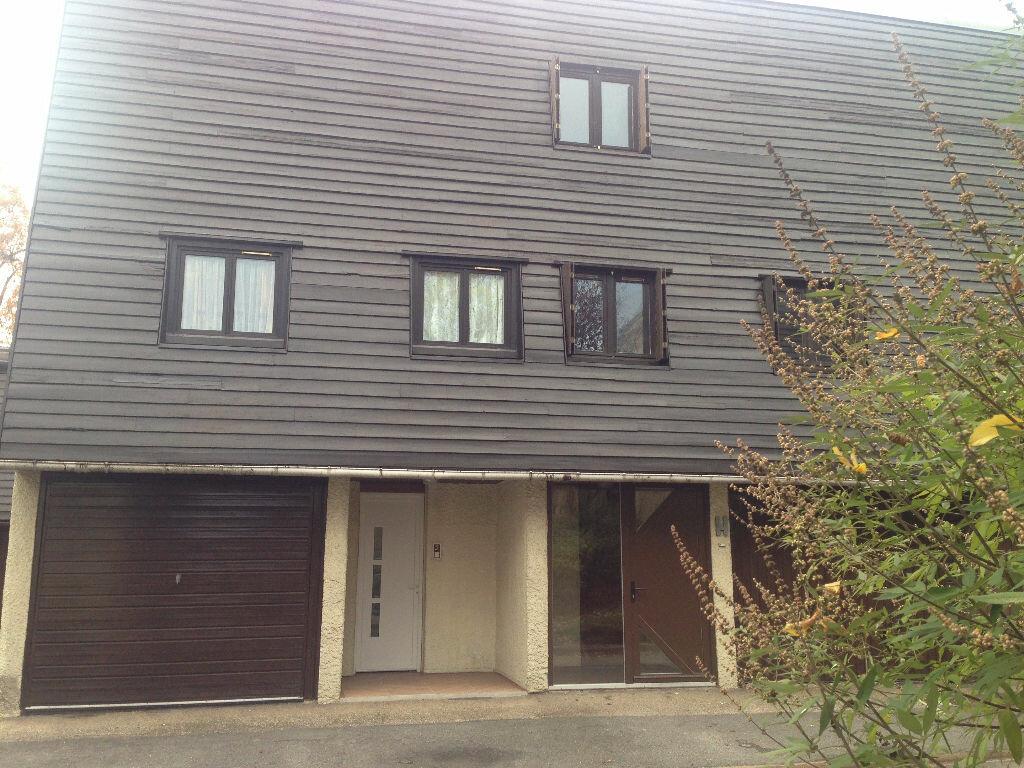 Location Maison 4 pièces à Montfermeil - vignette-1