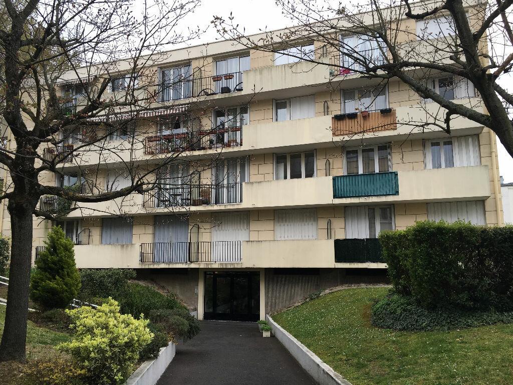 Location Appartement 3 pièces à Villemomble - vignette-1