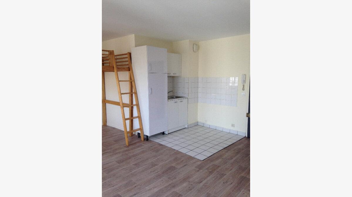Location Appartement 1 pièce à Villemomble - vignette-1