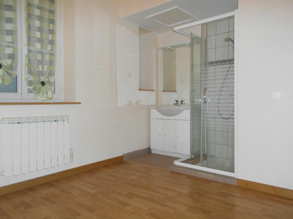 Location Appartement 1 pièce à Chazelles-sur-Lyon - vignette-3