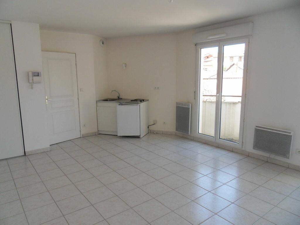Location Appartement 1 pièce à Saint-Symphorien-sur-Coise - vignette-1