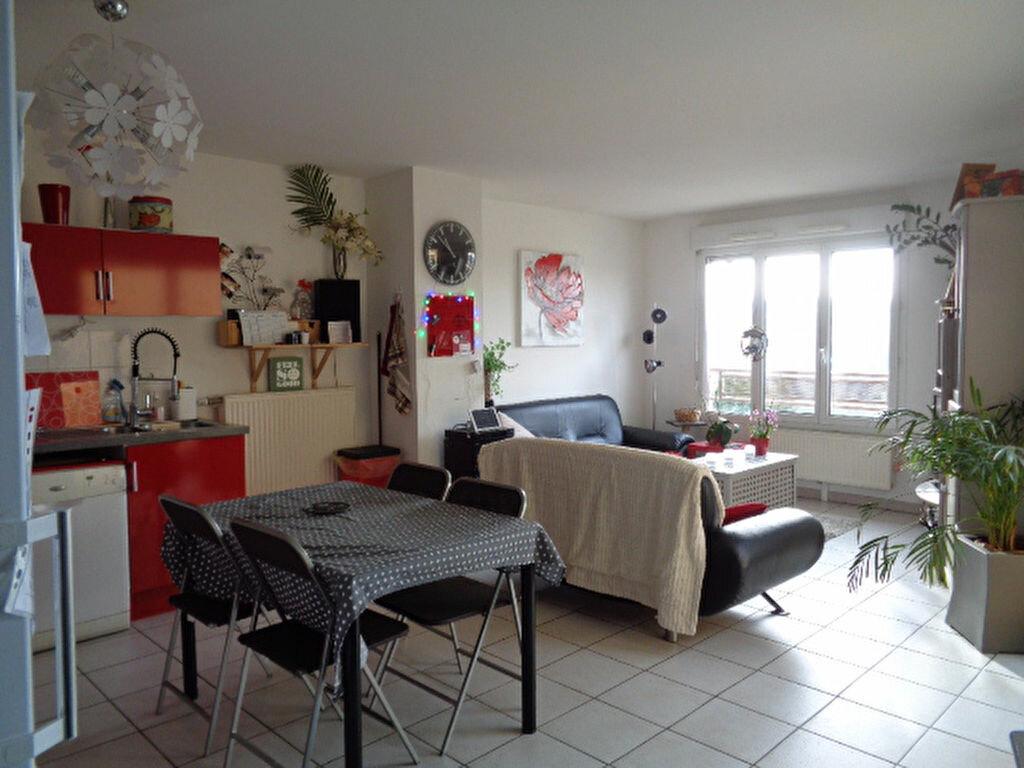 Achat Appartement 3 pièces à Saint-Symphorien-sur-Coise - vignette-1