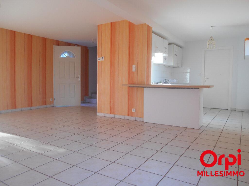 Location Maison 4 pièces à Viricelles - vignette-3