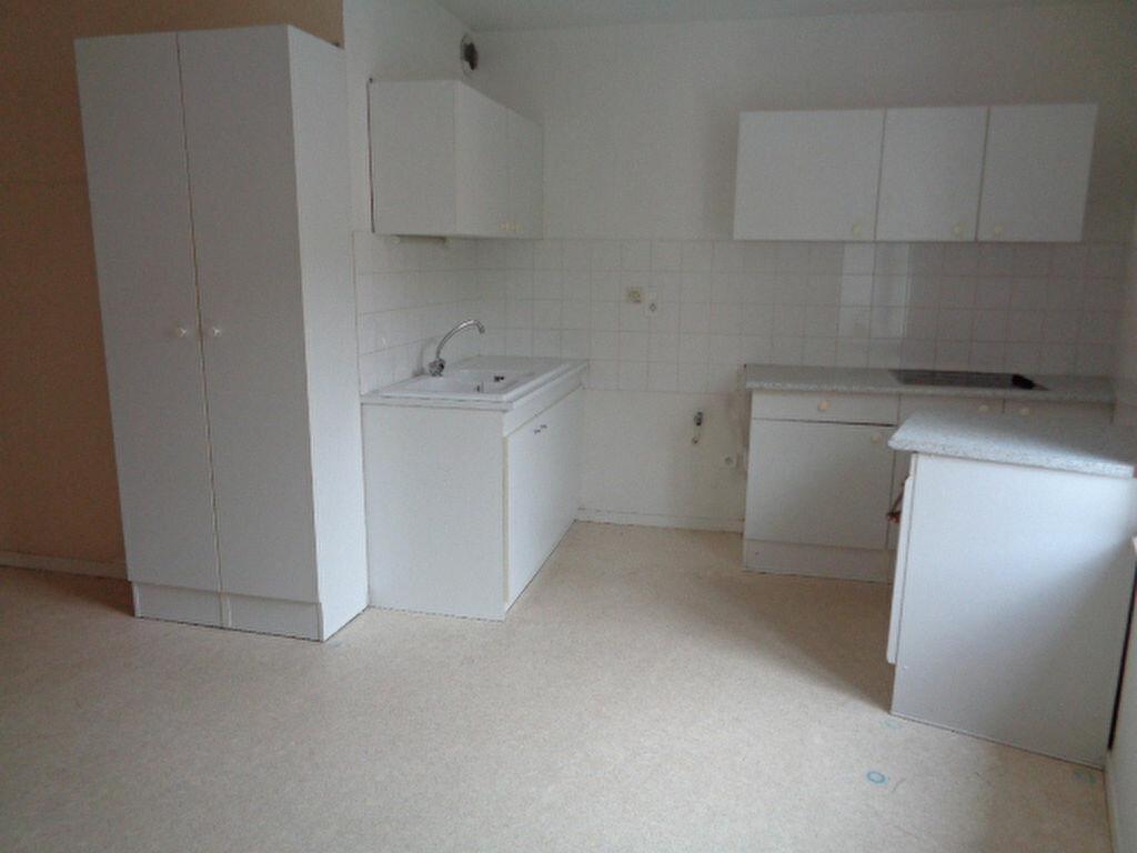 Location Appartement 2 pièces à Saint-Symphorien-sur-Coise - vignette-1