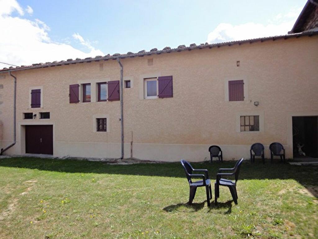 Location Maison 4 pièces à Mornant - vignette-1