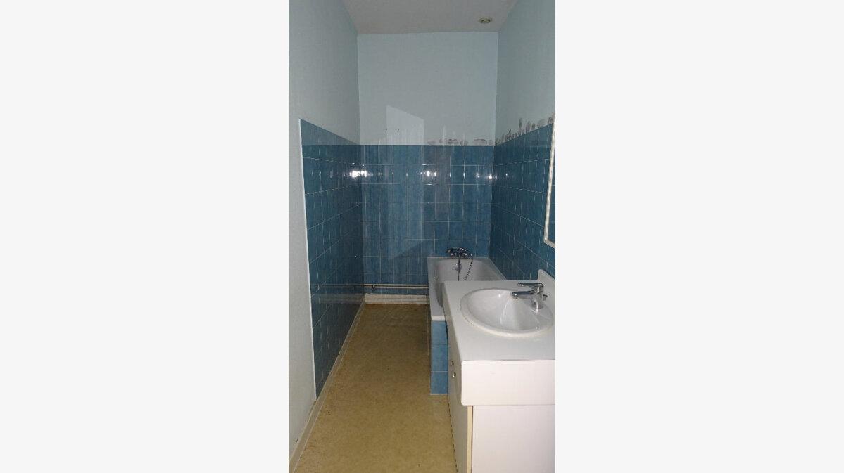 Location Appartement 3 pièces à Saint-Martin-en-Haut - vignette-5