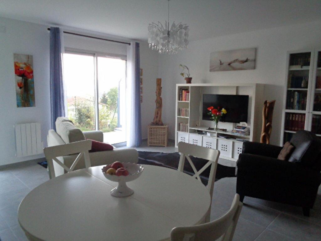 Achat Appartement 4 pièces à Saint-Symphorien-sur-Coise - vignette-1