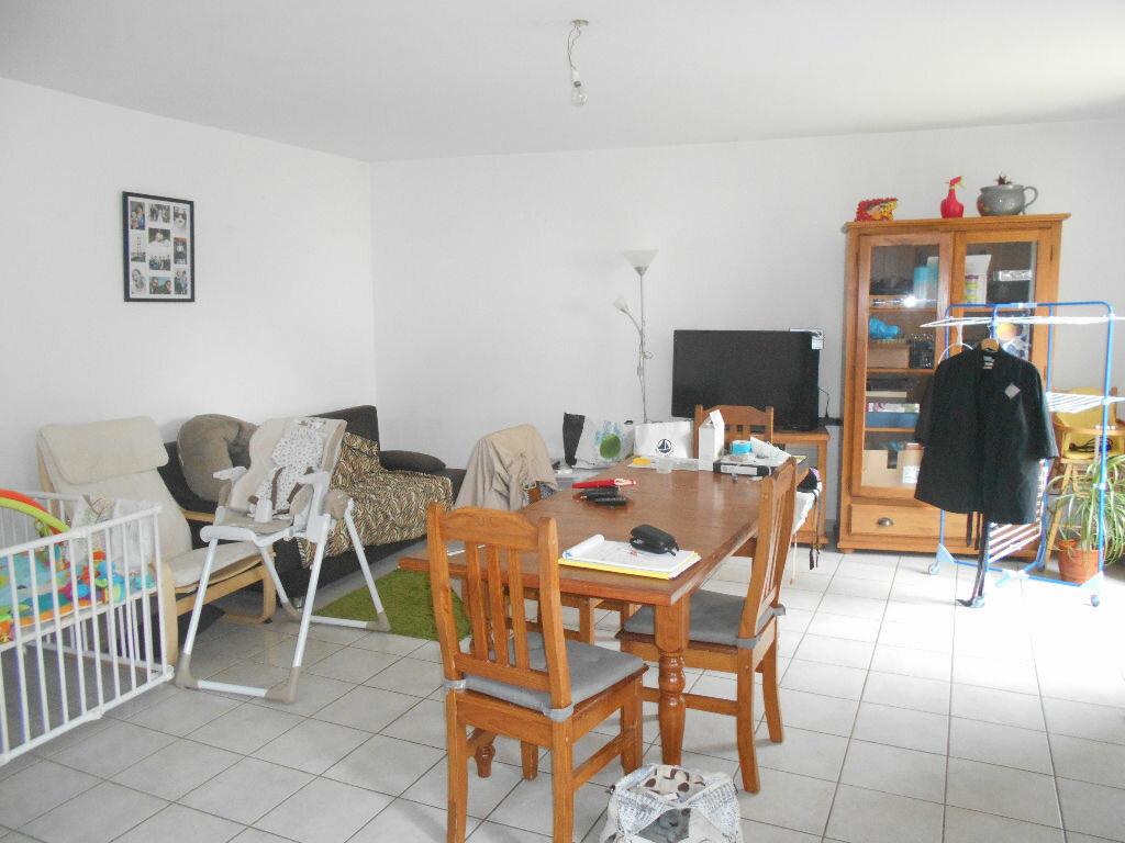 Location Appartement 3 pièces à Saint-Symphorien-sur-Coise - vignette-1