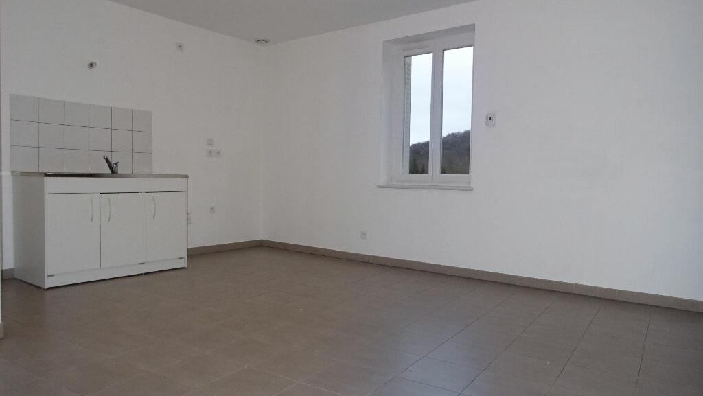 Location Appartement 3 pièces à Larajasse - vignette-1