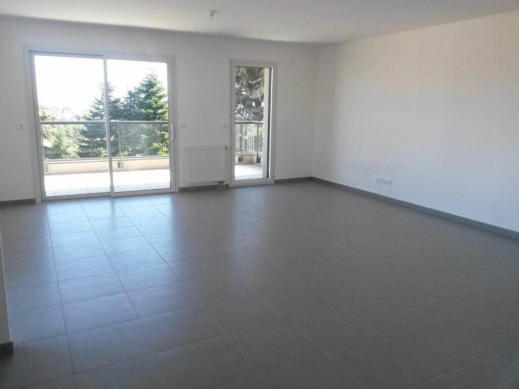 Location Appartement 3 pièces à Saint-Martin-en-Haut - vignette-1