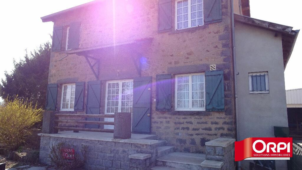 Location Maison 3 pièces à Saint-Martin-en-Haut - vignette-1