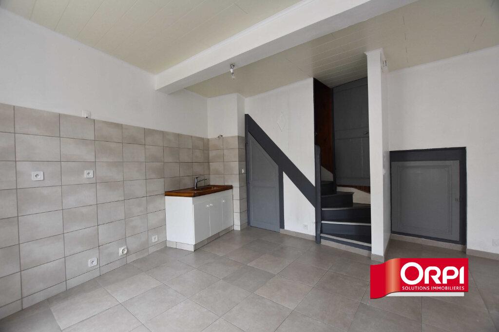 Location Maison 4 pièces à Saint-Genis-l'Argentière - vignette-1
