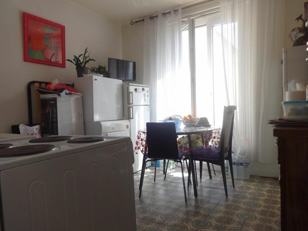 Achat Appartement 1 pièce à Saint-Ouen-l'Aumône - vignette-2