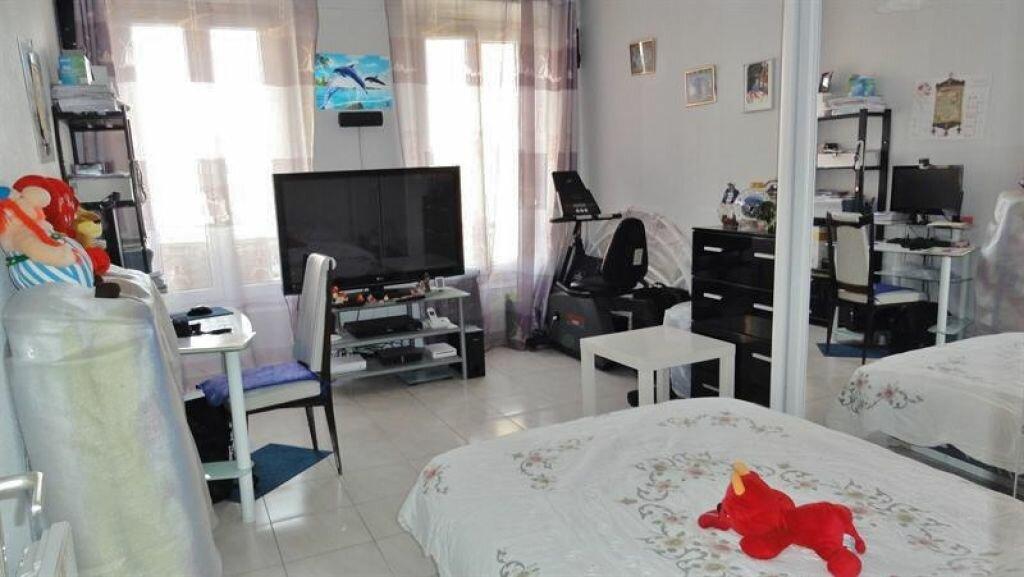 Achat Appartement 1 pièce à Saint-Ouen-l'Aumône - vignette-3
