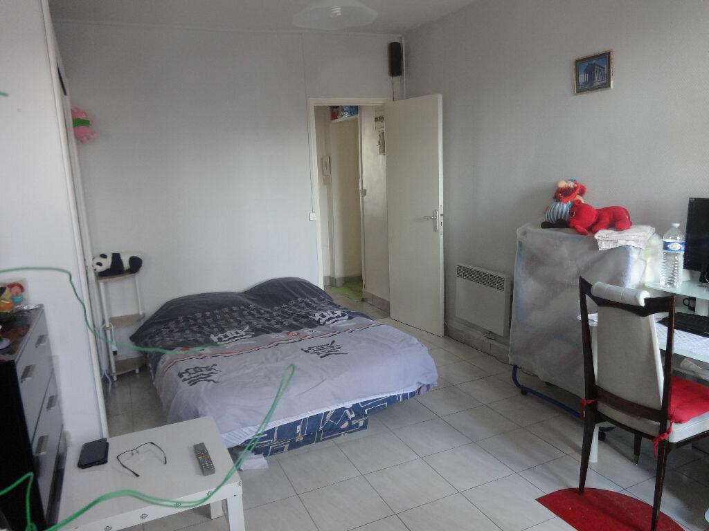 Achat Appartement 1 pièce à Saint-Ouen-l'Aumône - vignette-4