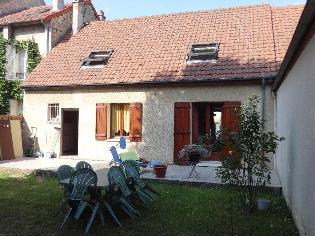 Achat Maison 6 pièces à Saint-Ouen-l'Aumône - vignette-1