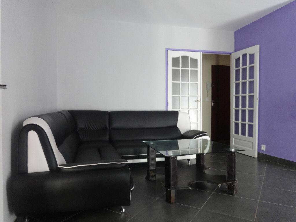 Achat Appartement 4 pièces à Saint-Ouen-l'Aumône - vignette-4