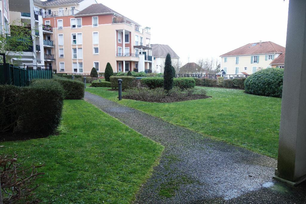 Location Appartement 1 pièce à Saint-Ouen-l'Aumône - vignette-1