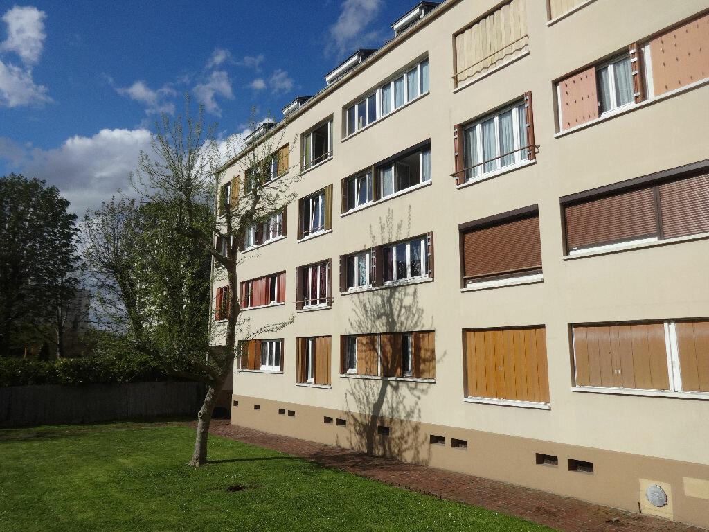 Achat Appartement 3 pièces à Saint-Ouen-l'Aumône - vignette-1