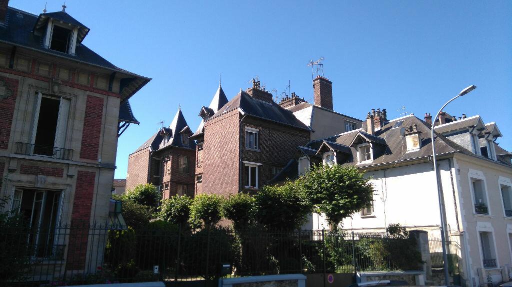 Achat Appartement 2 pièces à Saint-Ouen-l'Aumône - vignette-2
