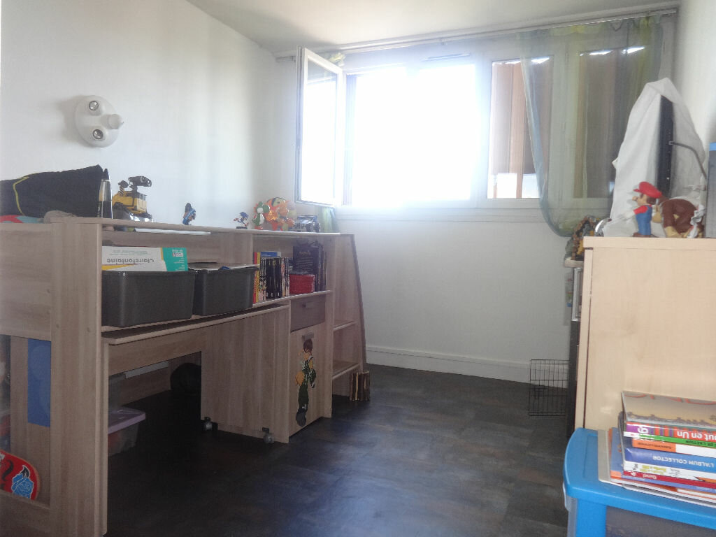 Achat Appartement 4 pièces à Saint-Ouen-l'Aumône - vignette-2