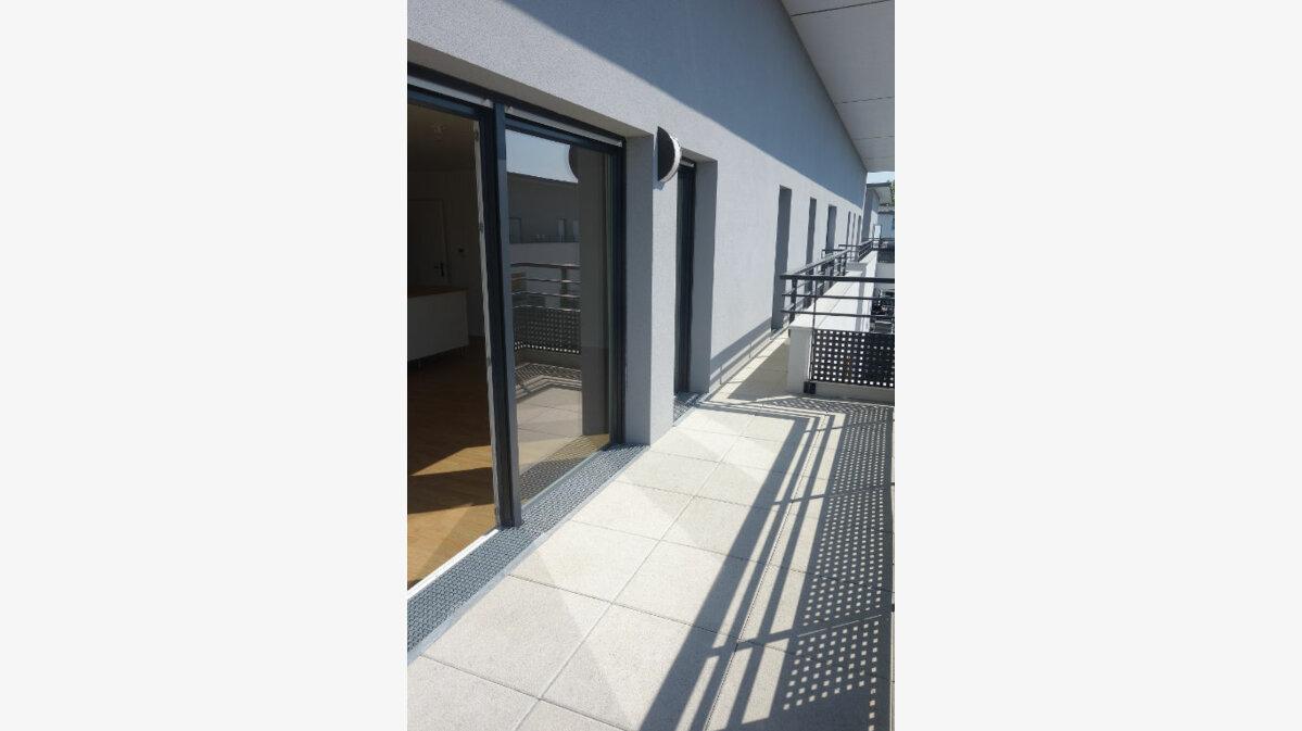 Location Appartement 4 pièces à Saint-Ouen-l'Aumône - vignette-1