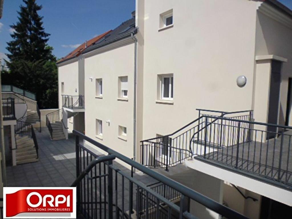Achat Appartement 1 pièce à Brie-Comte-Robert - vignette-1