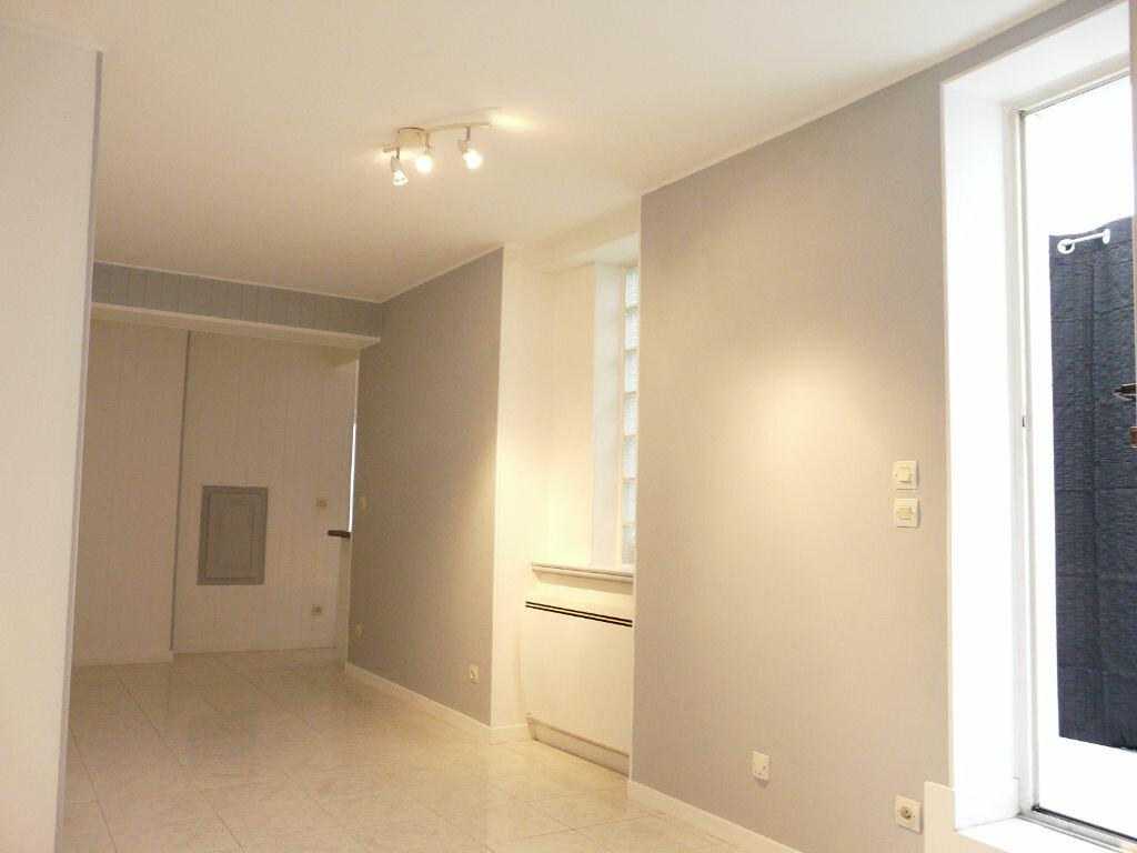 Achat Appartement 2 pièces à Chaumes-en-Brie - vignette-3