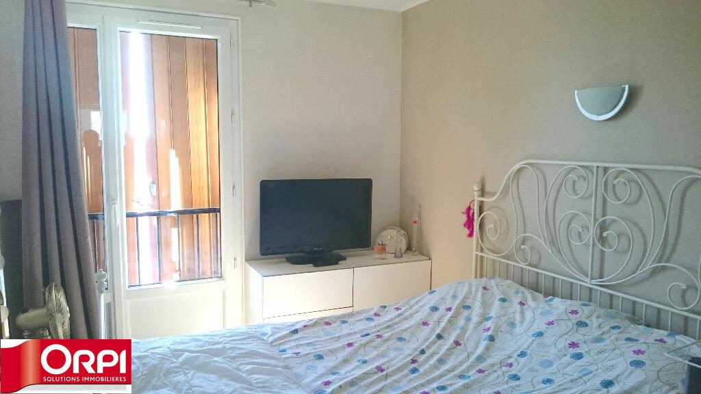 Achat Appartement 4 pièces à Brie-Comte-Robert - vignette-6