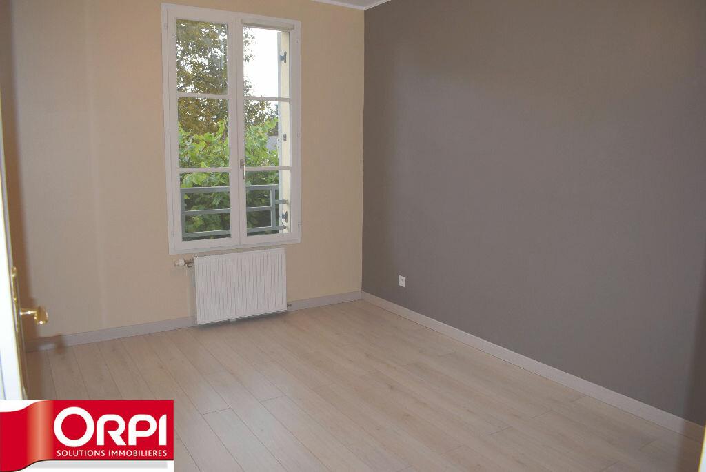 Achat Appartement 3 pièces à Brie-Comte-Robert - vignette-2