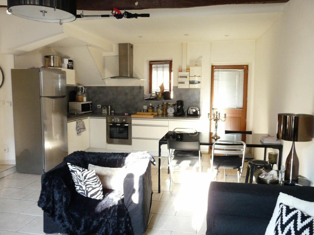 Location Appartement 2 pièces à Chaumes-en-Brie - vignette-1